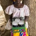 Marie Zidouemba Yameogo, village de Yali, commune de Piela. Burkina Faso. Elle appartient à un groupement de femmes qui ont toutes fait l'acquisition d'un kit solaire.